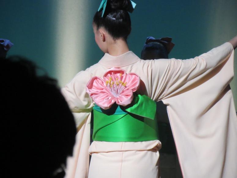 Momo/peach blossom (I think) obi