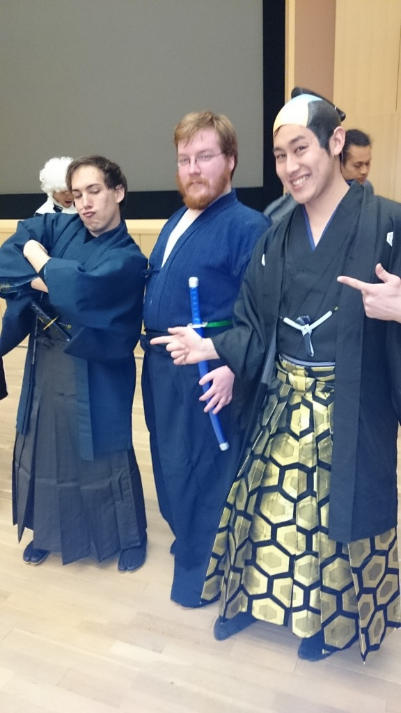 The Daimyo of Osaka/Obaka (in the gold and black hakama) and his two bodyguards.