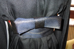The obi tied in an ichimonji musubi.